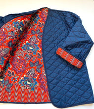 Load image into Gallery viewer, 70s quilted cotton and floral  reversible jacket
