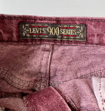 Load image into Gallery viewer, Plum acid wash Levi's