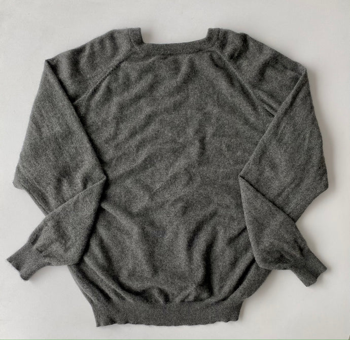 Charcoal grey v-neck cashmere
