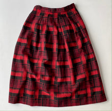 Load image into Gallery viewer, Jones New York red plaid skirt