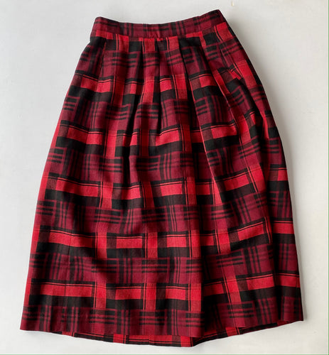Jones New York red plaid skirt