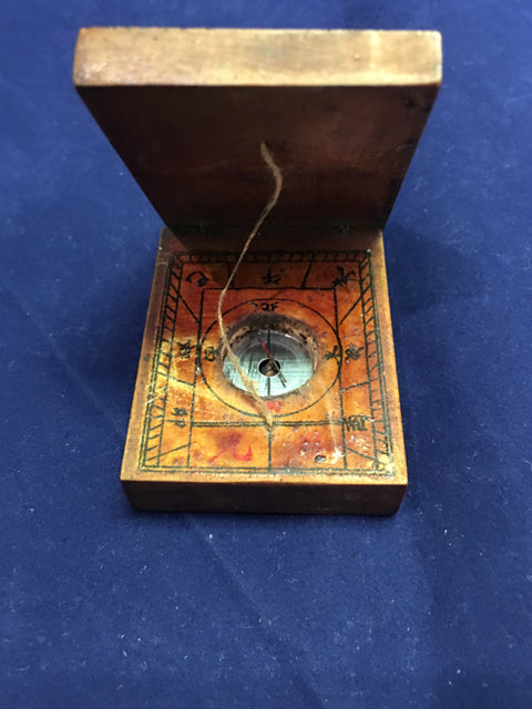 Wood Box w/ Compass