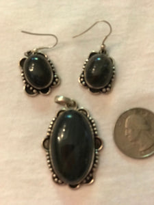 onyx and silver pendant and earrings made in India
