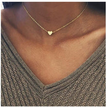 Load image into Gallery viewer, Heart Charm Necklace Choker