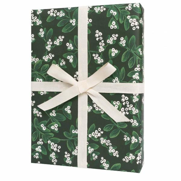 Evergreen Misletoe Flat Wrapping Sheet
