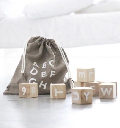 Ooh noo houten Alphabet blocks white - DE GELE FLAMINGO - Kids concept store