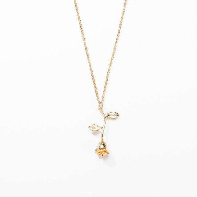 Alloy Rose necklaces are cute , flower necklace is made of high-quality Alloy Rose - HypeLooks