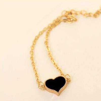 Heart Pendant Simple Choker Heart Pendant Necklace for women and girls - HypeLooks