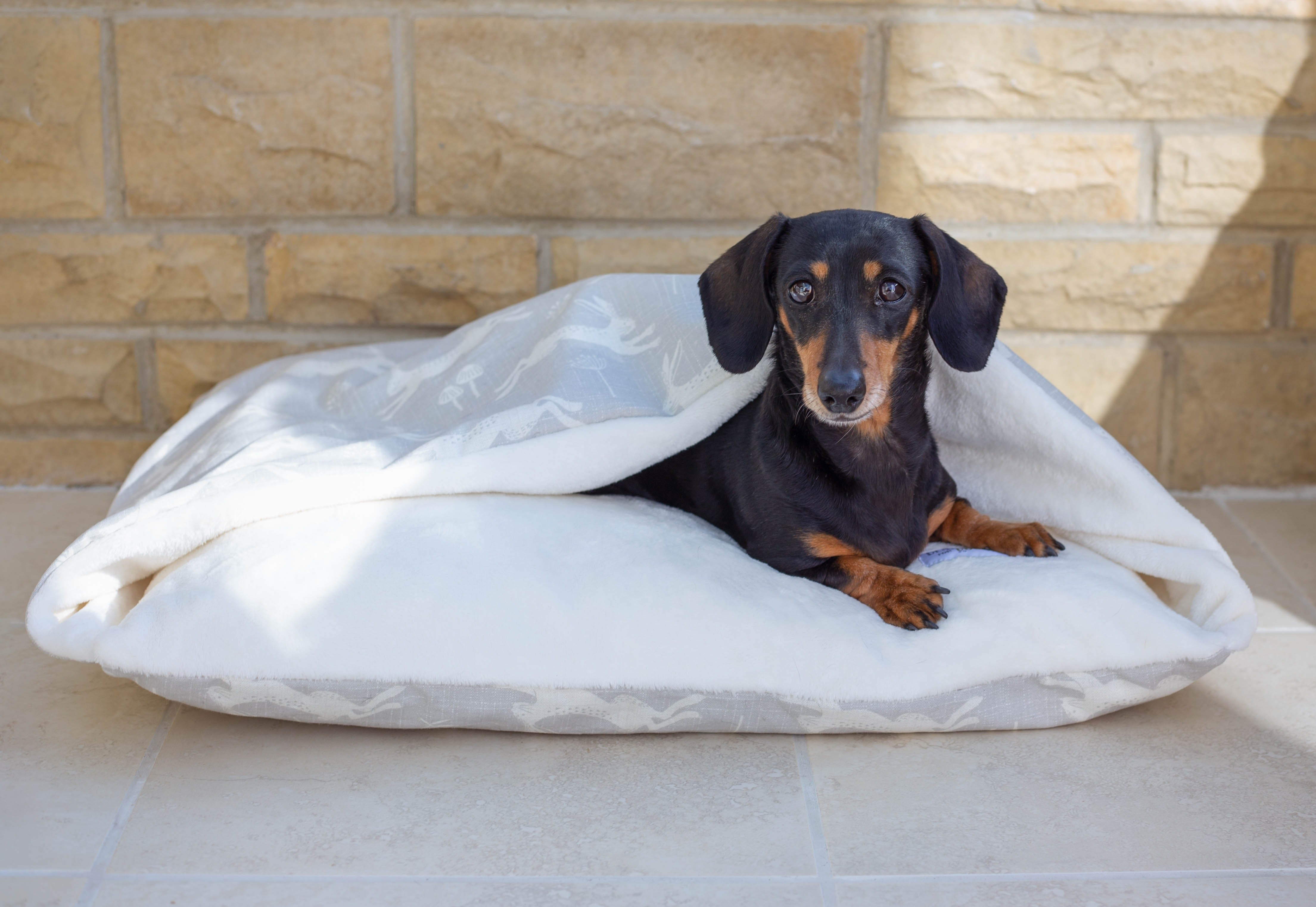 New! Silver Hares Doggy Den Bed
