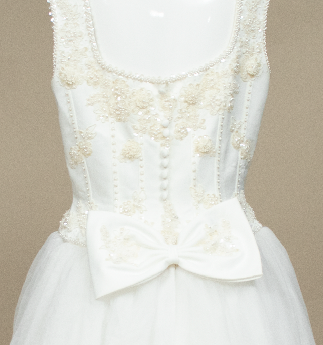 Vintage Classic Pearl Embellished A-line Wedding Dress - Size 10