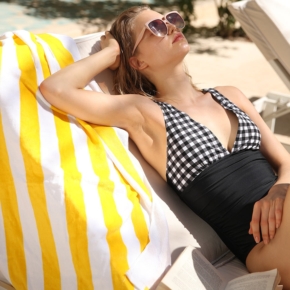 Bikini: ruched cross back swimsuit in gingham DON JUAN