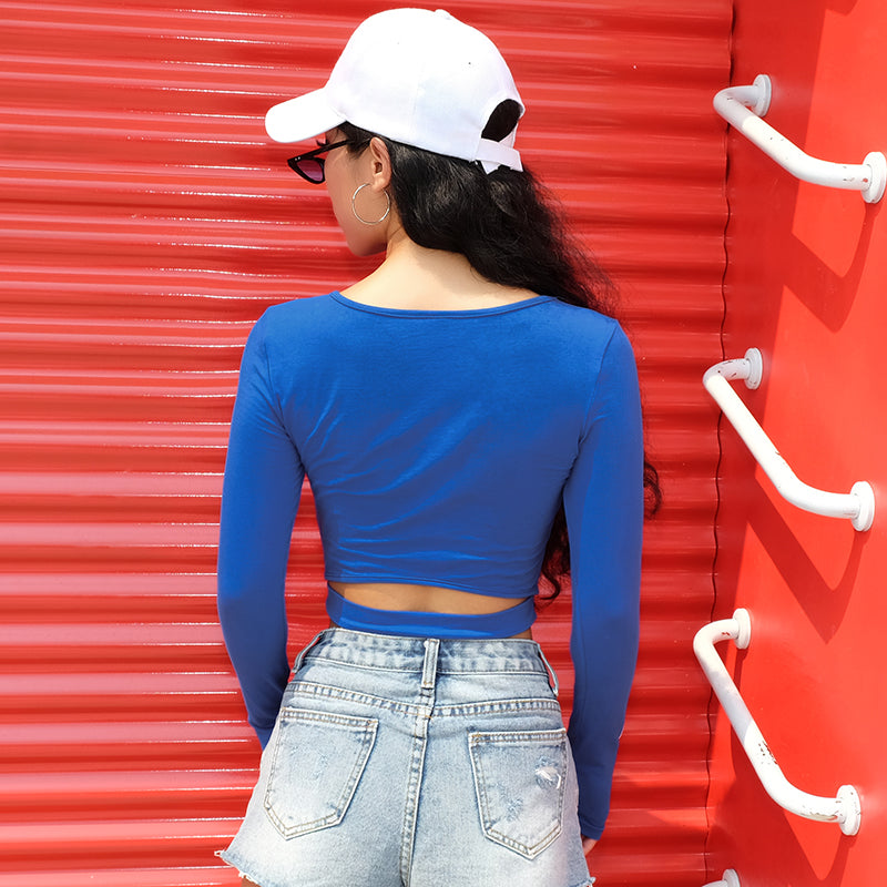 : crop top with cut out detail and buckle in blue DON JUAN