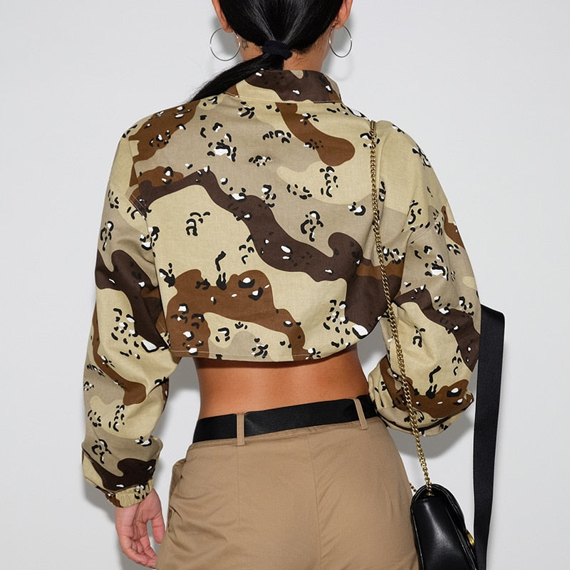 Tops: super crop top with zip front in camo print DON JUAN