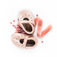 Load image into Gallery viewer, Rose blush starry jane shoes
