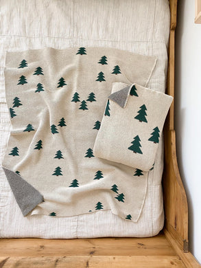Fin & Vince cozy waffle blanket - pine trees
