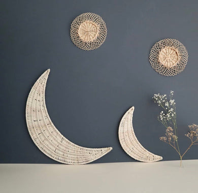 Wicker moon