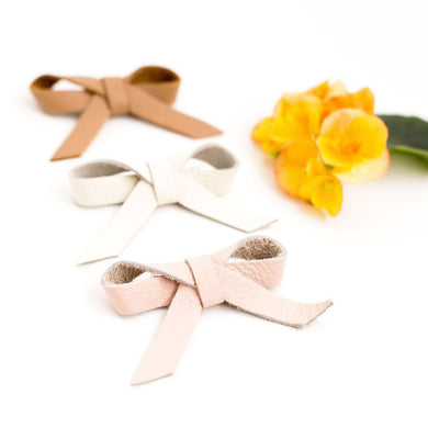 Leather ballet bow on clip - cream