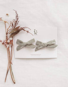 School girl hair clip set - herb