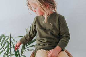 Be Kind sweatshirt - fir