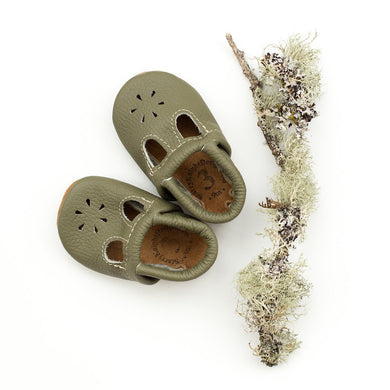 Moss t-strap shoes