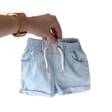 Load image into Gallery viewer, Denim shorts - light wash