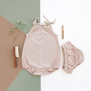 Fin & Vince ruffle bloomer - rose dust