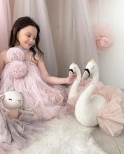 Load image into Gallery viewer, Swan princess in light pink