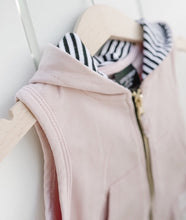 Load image into Gallery viewer, Zip hooded vest - blush