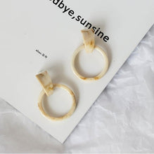 Load image into Gallery viewer, Marble Texture Earrings
