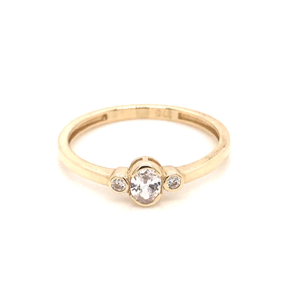 9ct Gold three stone cz ring ST46552