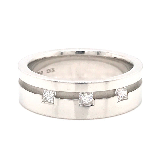 18ct White Gold & Square Diamond Gents Ring
