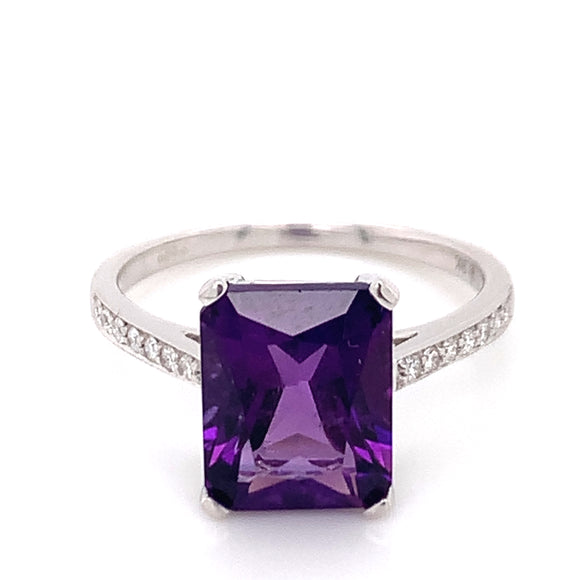 9ct White Gold Emerald Cut Amethyst & Diamond Shoulder Ring