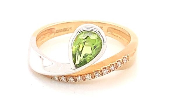 9ct Gold Two Tone Peridot And Cz Twist Band Ring
