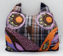 Load image into Gallery viewer, Bubo Owl cushion
