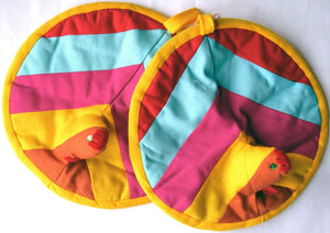 Potholder pair, patchwork, round, Cockerel