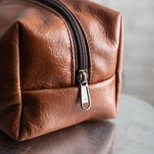 Load image into Gallery viewer, Leather Toiletry Bag Men