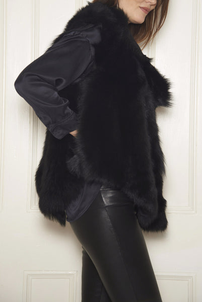 Sleeveless Shearling Jacket: Black