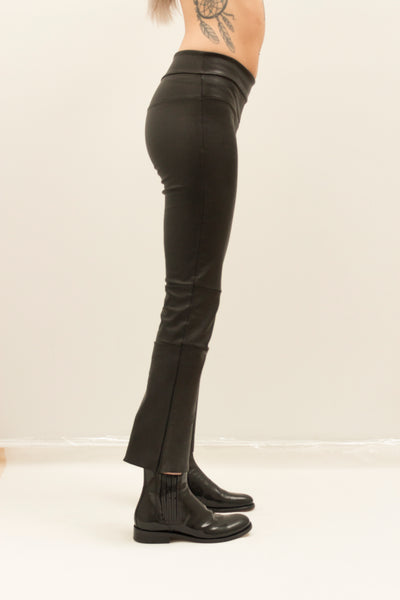 Cropped Stretch Leather Bootleggings