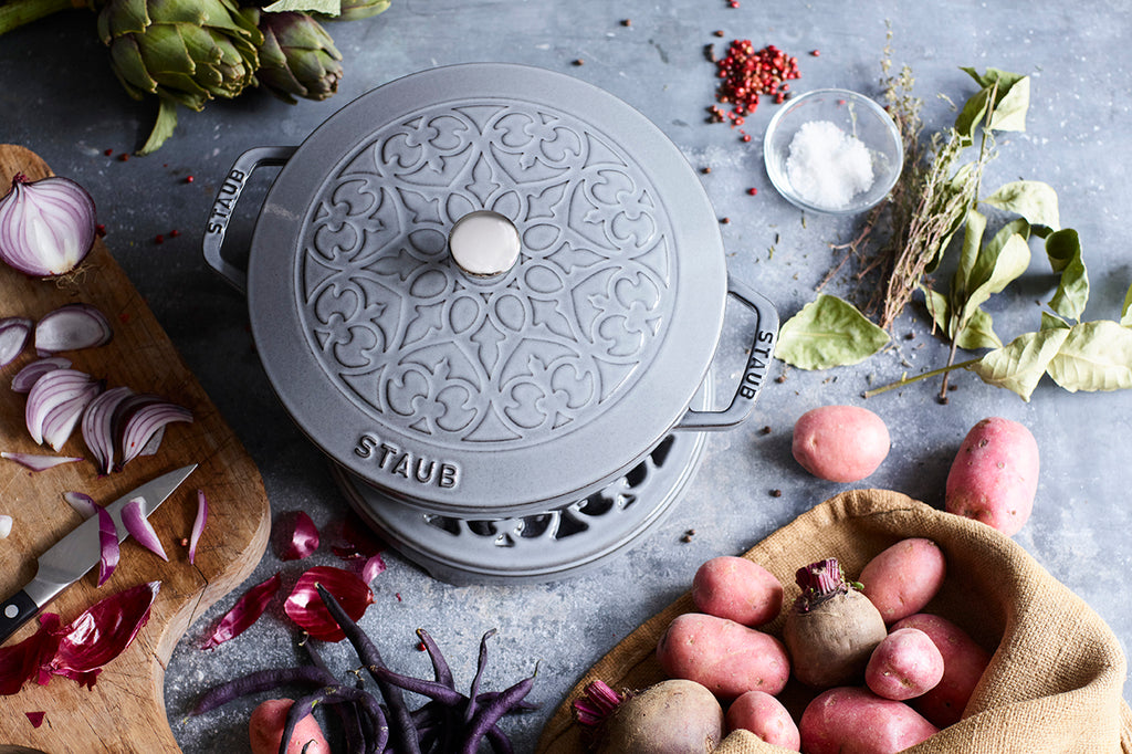 Cast Iron 3.75 qt Essential French Oven with Lilly Lid