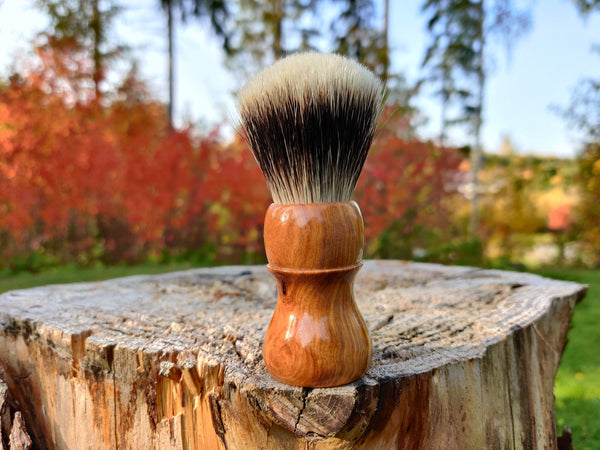 Olive Wood Shaving Brush with 24mm Fan Knot - by TonmiKo