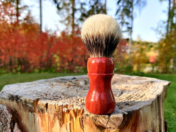 Padauk Wood Shaving Brush with 24mm Bulb Knot - by TonmiKo