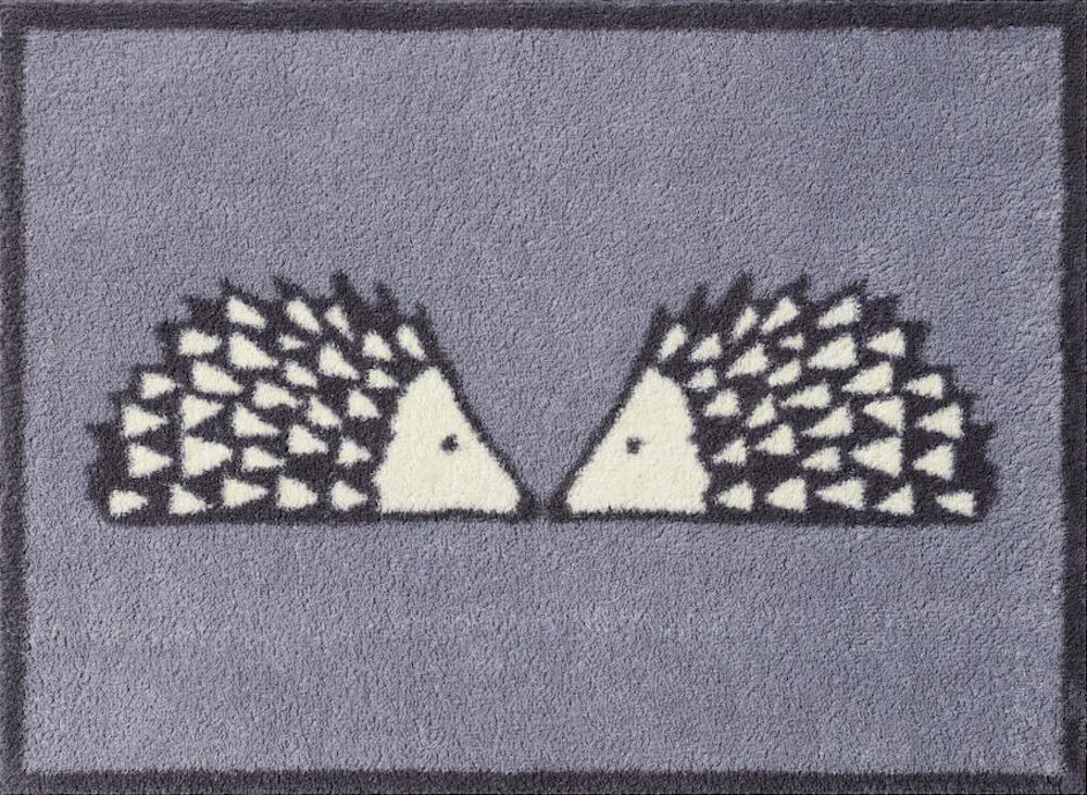 Kissing Spike Door Mat (Grey)