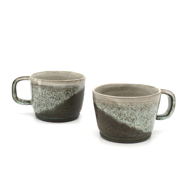 Nidito Handmade Mug Grey Greeny White Textured on Brown