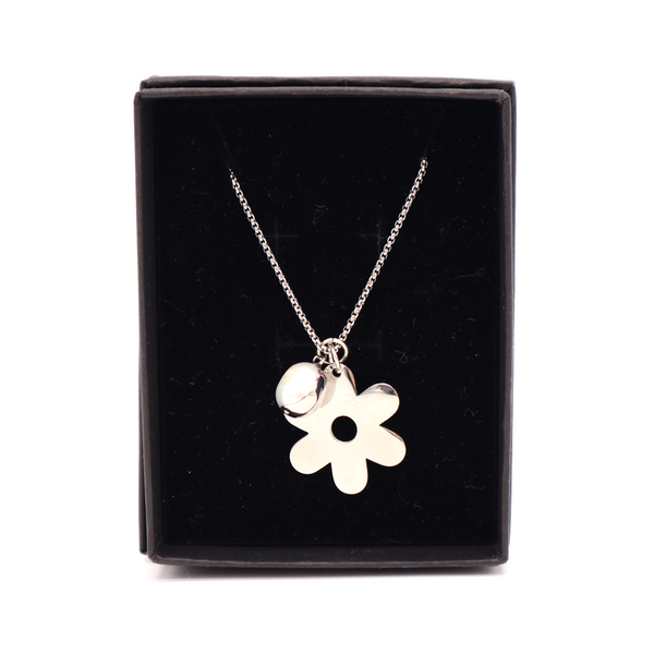 Penny Foggo Necklace Flower and Pearl Silver
