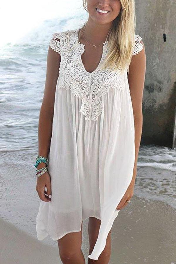 Lace Paneled V-neck Hollow Out Sleeveless Pleated Mini Dress