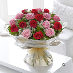 18 Mixed Roses (Red & Pink)