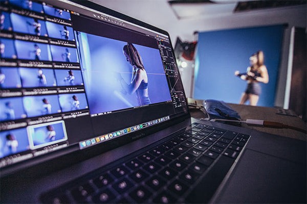 Laptop with Capture One Pro shooting tethered in studio