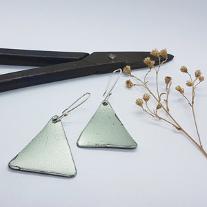Single Tier Silver Moss Renault 16 Triangle Earrings