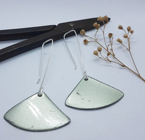 Fan Dangle Silver Moss Renault 16 Earrings