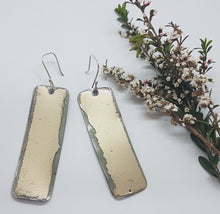 Load image into Gallery viewer, Single Tier long Gold Holden HX Earrings